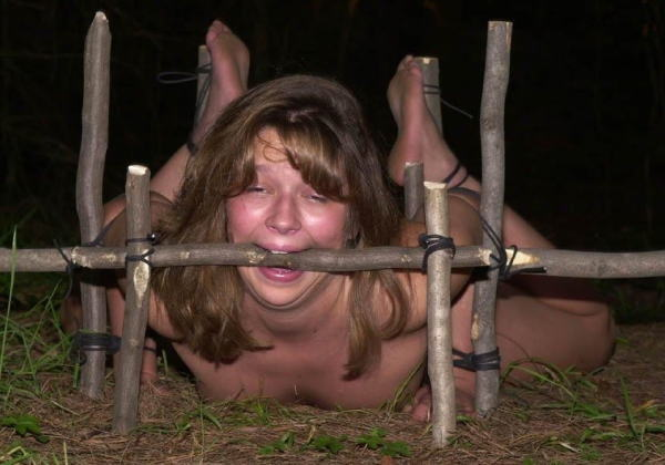 【※胸糞注意※】性奴隷として売買された女性の「その後」の画像が悲惨杉、、家畜以下だろコレ。。(画像28枚)