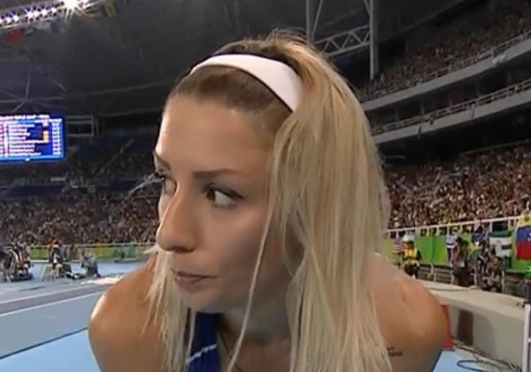 【画像あり】リオ五輪でお○ぱいポロリした陸上三段跳びの選手wwwwwwwwwwwwwwwwwwwwwwwwwwww