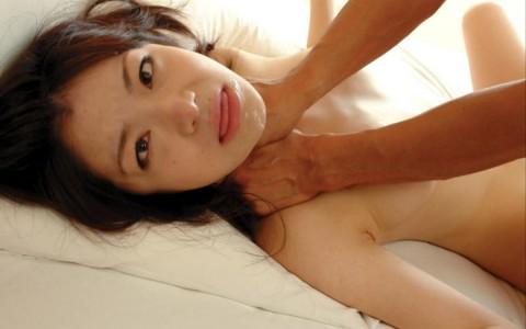 【閲覧注意】首絞められながらイってる女の顔ヤバすぎwwwwwwwwwwwwwwww(画像19枚)・3枚目