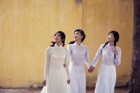 【アオザイ】ベトナムの女学生がかわいすぎる・・・しかも下着透け透けでござるwwwww(画像21枚)・7枚目