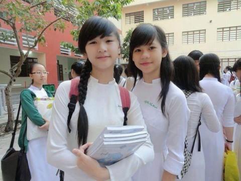 【アオザイ】ベトナムの女学生がかわいすぎる・・・しかも下着透け透けでござるwwwww(画像21枚)・20枚目