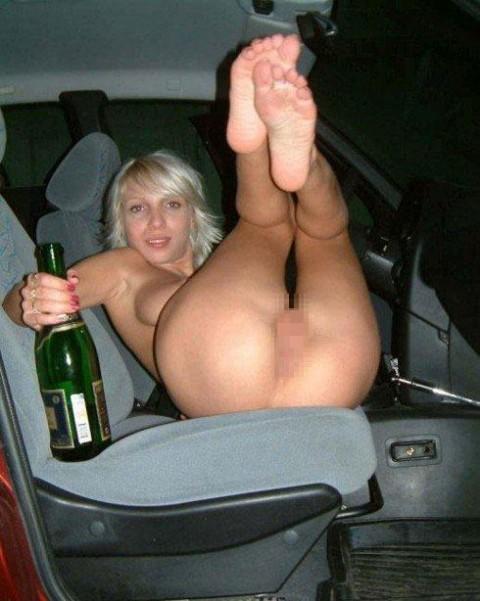 【画像】外人女の泥酔具合が度を超してる件・・・・これは持ち帰れない・・・・・・21枚目