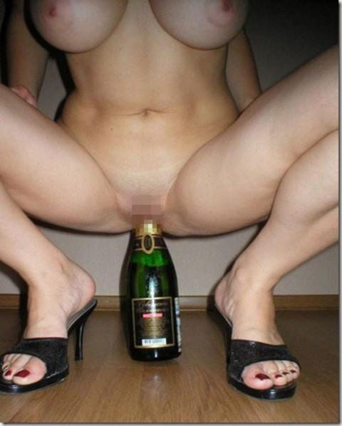 【画像】外人女の泥酔具合が度を超してる件・・・・これは持ち帰れない・・・・・・22枚目