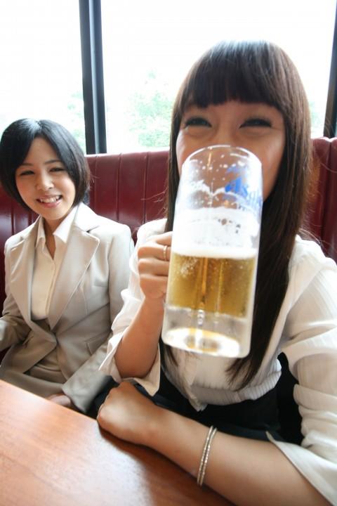 【鬼畜】飲み会で泥酔したOL2人に中出しした結果wwwwwwwwwwwww(※画像あり)・1枚目