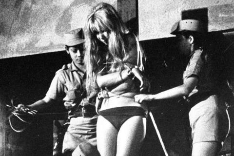 【閲覧注意】まさにエログロ。女性への拷問ギャラリー