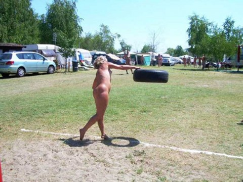 裸で割と本気でスポーツしてるエロ画像wwwwwww(31枚)・2枚目