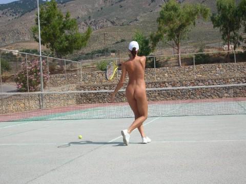 裸で割と本気でスポーツしてるエロ画像wwwwwww(31枚)・5枚目
