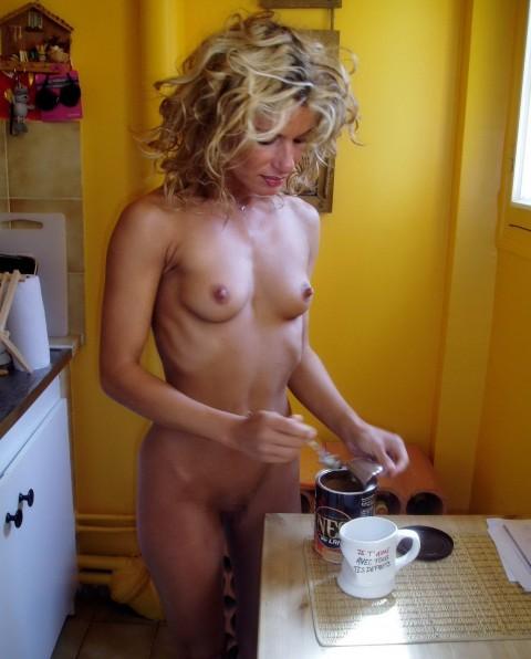 全裸で家事する女エロ杉だろwwwwwwwwwwww(画像31枚)・5枚目