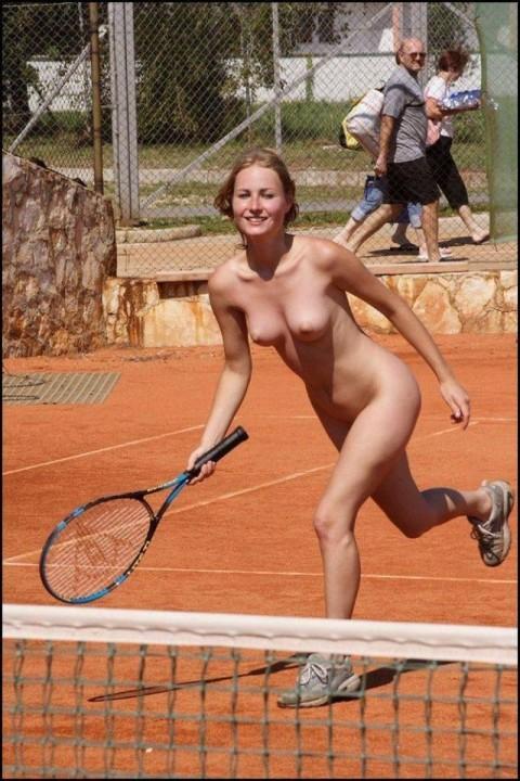 裸で割と本気でスポーツしてるエロ画像wwwwwww(31枚)・13枚目