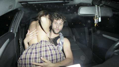 【カーセックス】激写されたカップルの反応いろいろ(画像20枚)・14枚目