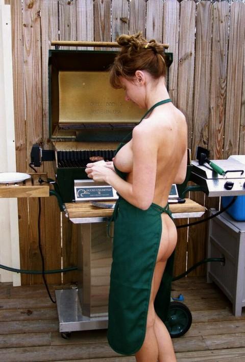 全裸で家事する女エロ杉だろwwwwwwwwwwww(画像31枚)・19枚目