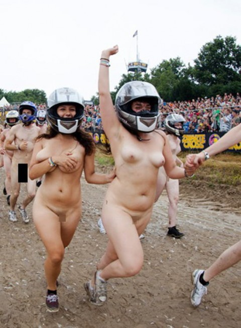 裸で割と本気でスポーツしてるエロ画像wwwwwww(31枚)・21枚目