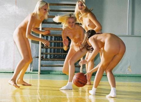 裸で割と本気でスポーツしてるエロ画像wwwwwww(31枚)・24枚目