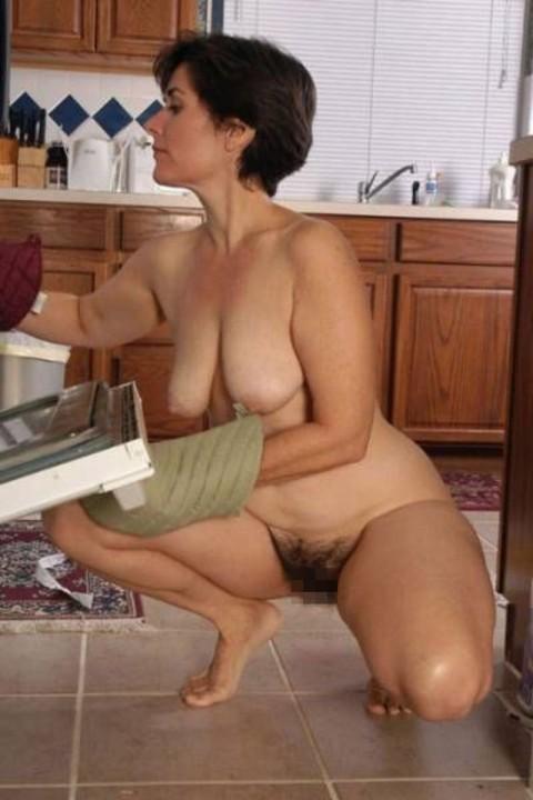全裸で家事する女エロ杉だろwwwwwwwwwwww(画像31枚)・30枚目