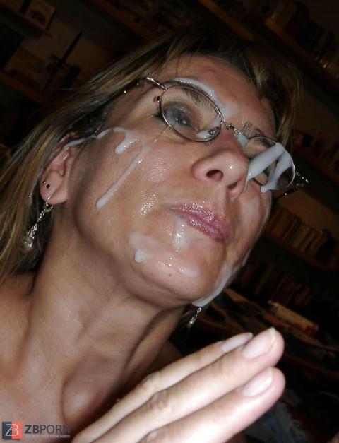 【画像あり】ザーメンをシャワーのように浴びながら目を開ける強者女発見wwwwwww・12枚目