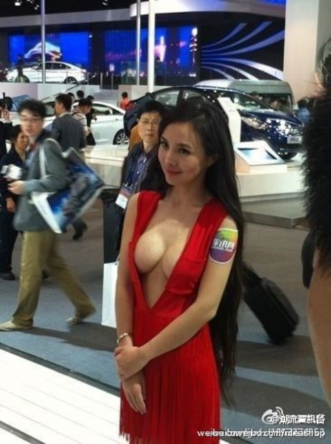 中国のキャンギャルが過激すぎて放送してはいけないレベルにwwwwwwwww(※画像あり)・16枚目