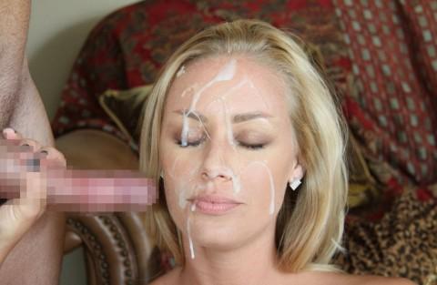 【画像あり】ザーメンをシャワーのように浴びながら目を開ける強者女発見wwwwwww・18枚目
