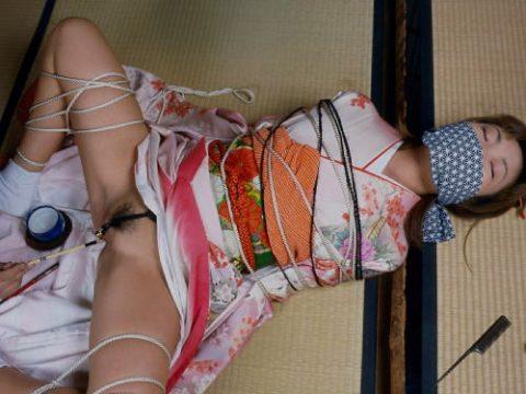 シロウトにはできない和服女性の緊縛えろ写真集(20枚)