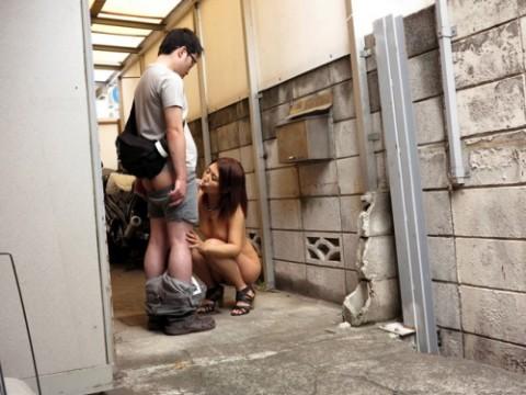 【※画像あり】男が彼女にフェラさせたいシチュエーション52場面がコチラwwwwwwwwwwwwwwwww・1枚目