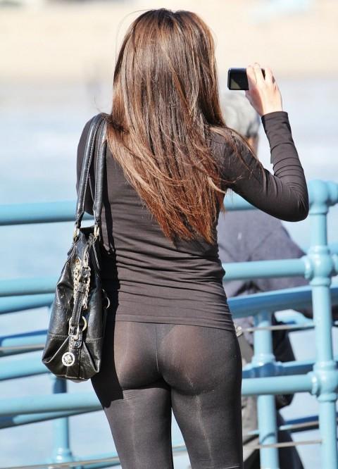 【破廉恥注意】レギンスの上に何も穿かない女ってパンストで歩いてるようなものだよな・・・(※画像あり)・17枚目