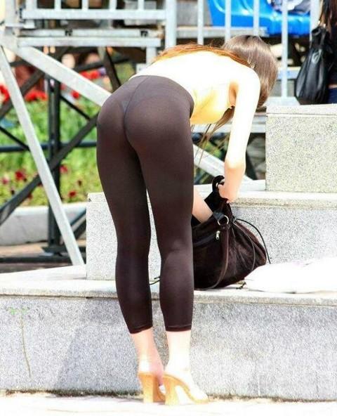 【破廉恥注意】レギンスの上に何も穿かない女ってパンストで歩いてるようなものだよな・・・(※画像あり)・18枚目