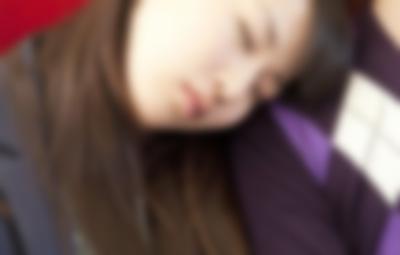 (パニック)ヨメとムスコで乗った列車で俺の隣に座った若い女が取った衝撃の行動・・・・・・・・・・・・・・・・・・・