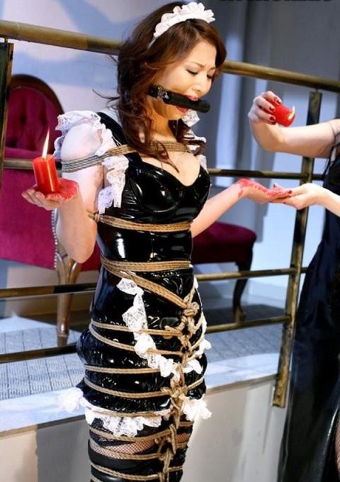 【画像】コスプレしたまま縛られてる女の子のエロさは異常・・・・・・・・・・・(31枚)・3枚目