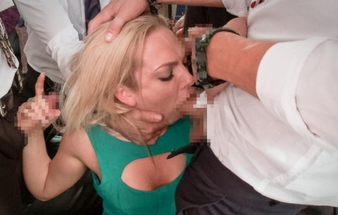 【胸糞注意】所詮男は女を「性処理道具」としか思っていないのがよく分かる画像集(25枚)・4枚目