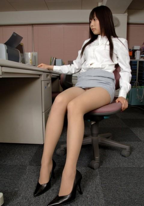 【朗報】会社で女の子が机の下に落としたペンを取ろうとした結果wwwwwwwwwwwwww(※画像あり)・11枚目