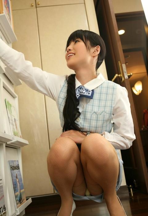 【朗報】会社で女の子が机の下に落としたペンを取ろうとした結果wwwwwwwwwwwwww(※画像あり)・6枚目