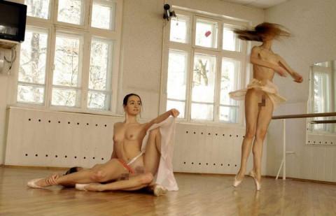 【画像あり】バ レ リ ー ナ に 裸 で や っ て ほ し い ポ ー ズ ま と め wwwwwwwwwwwwww(30枚)・28枚目