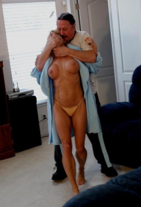 【胸糞注意】所詮男は女を「性処理道具」としか思っていないのがよく分かる画像集(25枚)・25枚目