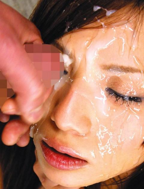 【ぶっかけ】画面越しに臭ってきそうな顔射の瞬間画像ください。(26枚)・13枚目