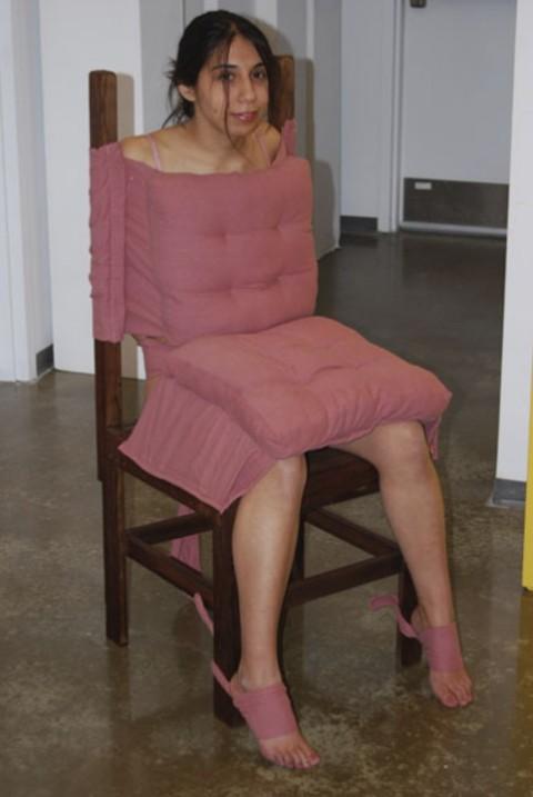 【人間家具】究極のドMのいきつく先がこちら・・・・・・・・・・・・・・(※画像あり)・24枚目