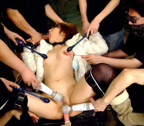 【レイプ】女は泣き叫んでないと興奮しないキチ野郎のための輪姦画像(32枚)・8枚目