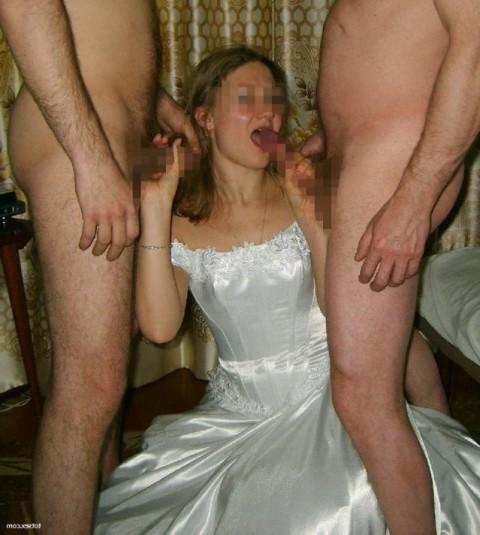 【衝撃画像】結婚式当日にテンション上がってウェディングドレスのままセックスする夫婦たち(21枚)・11枚目