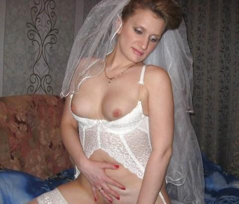 【衝撃画像】結婚式当日にテンション上がってウェディングドレスのままセックスする夫婦たち(21枚)・19枚目