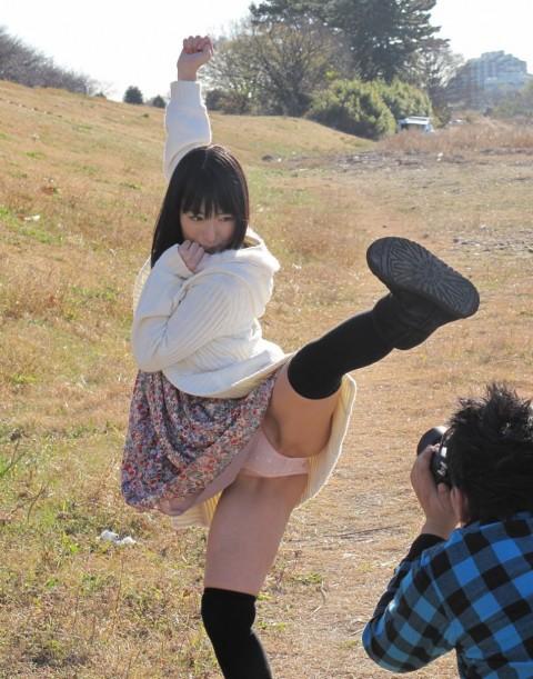 【当たり前】ミニスカートの女子がハイキックするとこうなる・・・・・・・・(※画像あり)・2枚目