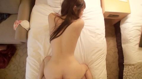 【動画】大阪ミナミでナンパしたスタイル抜群のモデル系美女をハメ撮り・22枚目