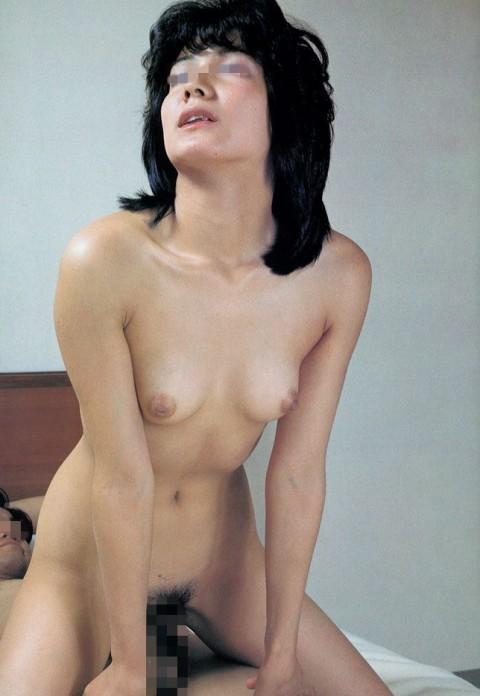 【80年代】昔、コッソリ盗み見てた親父のビニ本のエロ画像wwwwwww髪型wwwwwwwwwww(32枚)・32枚目