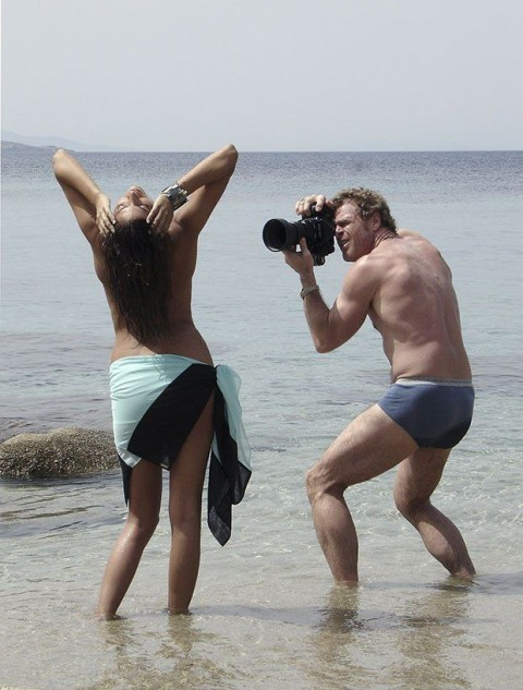 【不可抗力】ヌードモデルの撮影現場で勃起を隠すカメラマンたちワロタwwwwwwwwwwwwwwwww(※画像あり)・23枚目