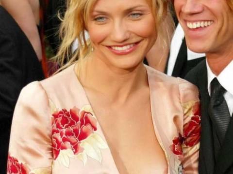 乳首や乳輪くらいサービスで見せてくれるハリウッド女優のポロリ画像集(27枚)・1枚目