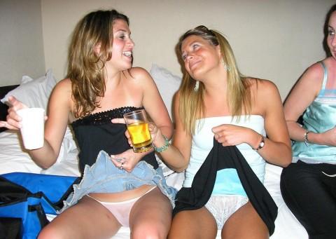 【持ち帰れる?】怖えぇ・・・女子会で酒に飲まれた女たちの末路がヤバイwwwwwwwwwwwwwwwww(画像30枚)・16枚目
