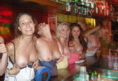 【持ち帰れる?】怖えぇ・・・女子会で酒に飲まれた女たちの末路がヤバイwwwwwwwwwwwwwwwww(画像30枚)・21枚目