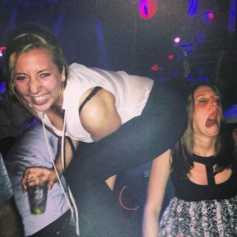 【持ち帰れる?】怖えぇ・・・女子会で酒に飲まれた女たちの末路がヤバイwwwwwwwwwwwwwwwww(画像30枚)・24枚目