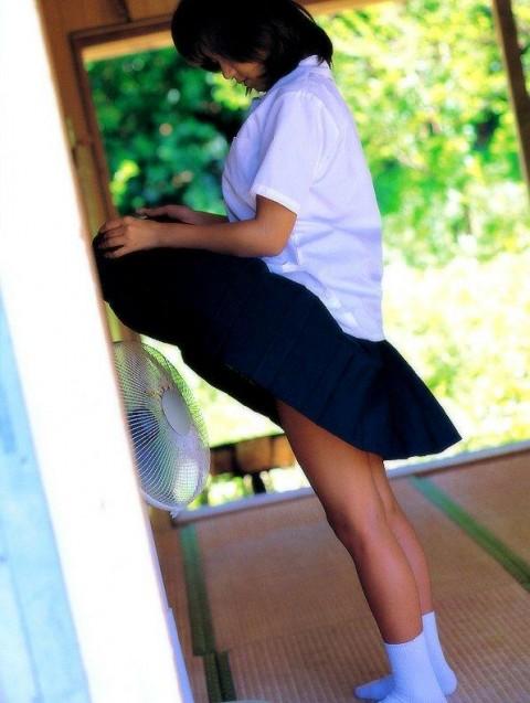 【※画像あり】JKの妹が夏に扇風機の前でコレやってて目のやり場に困るんだがwwwwwwwwwwwwwww・19枚目