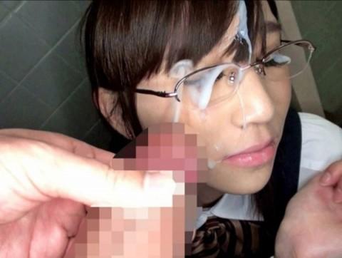 【画像あり】眼鏡っ子の彼女がセックス中なのにメガネ外さないので空気読んだ結果wwwwwwwwwwwww・20枚目