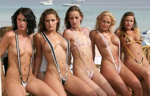 【画像】露出狂女御用達の水着がほぼ隠せていない件wwwwwwwwwwwwwwwwwwww(22枚)・2枚目
