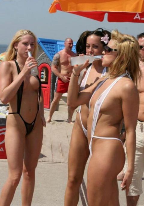 【画像】露出狂女御用達の水着がほぼ隠せていない件wwwwwwwwwwwwwwwwwwww(22枚)・7枚目