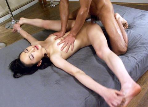 【※画像あり】アクロバティックセックスAV見て彼女に試してみた結果wwwwwwwwwwwwwwwwwww・12枚目